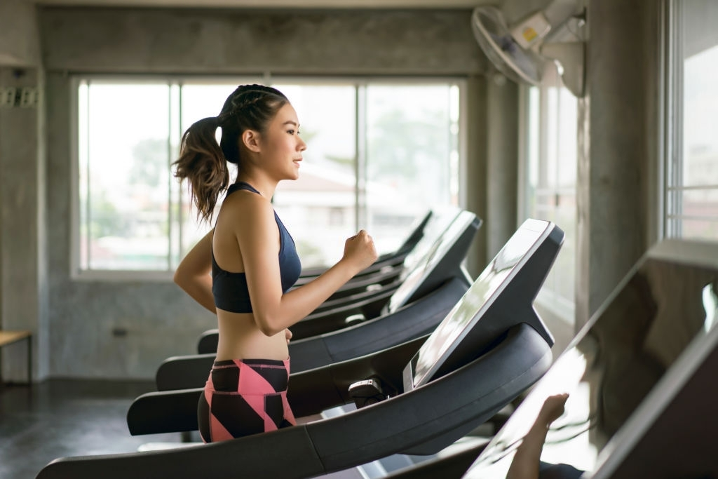 How To Work In 30 Minutes Of Cardio During Your Busy Workday?