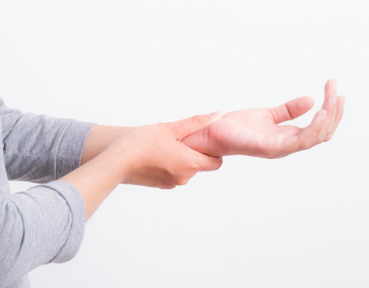 Home Remedies To Be Followed To Get Rid Of Hand Pain!